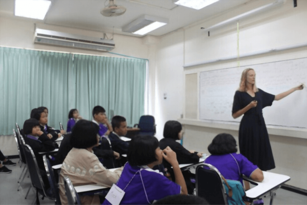 teacher_expat_health_insurance_thailand